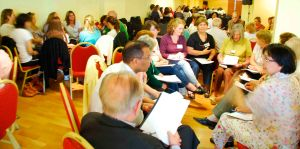 Funcionamiento de parte de las comunidades en la sala principal