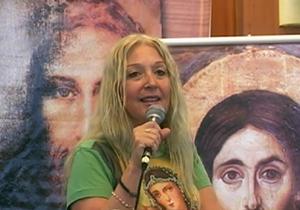 Vassula disertando sobre la unidad de los cristianos en la peregrinación en Turquia de 2007
